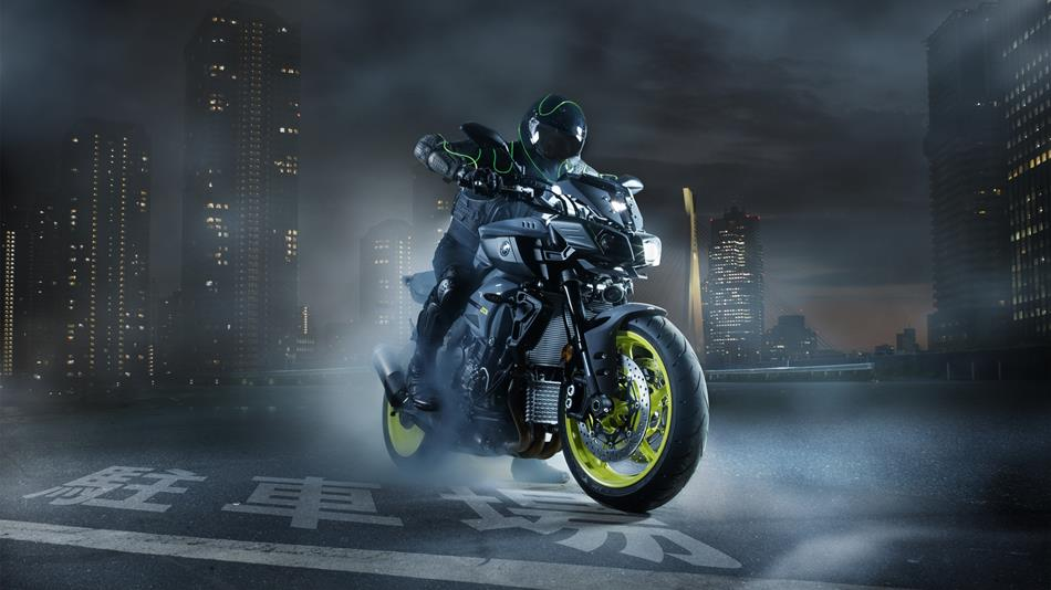 2016-Yamaha-MT-10-EU-Night-Fluo-Static-003