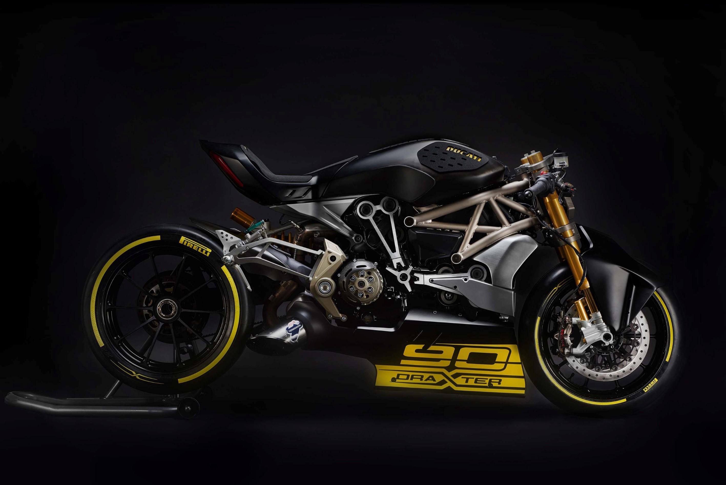 Ducati-draXter-Concept-01