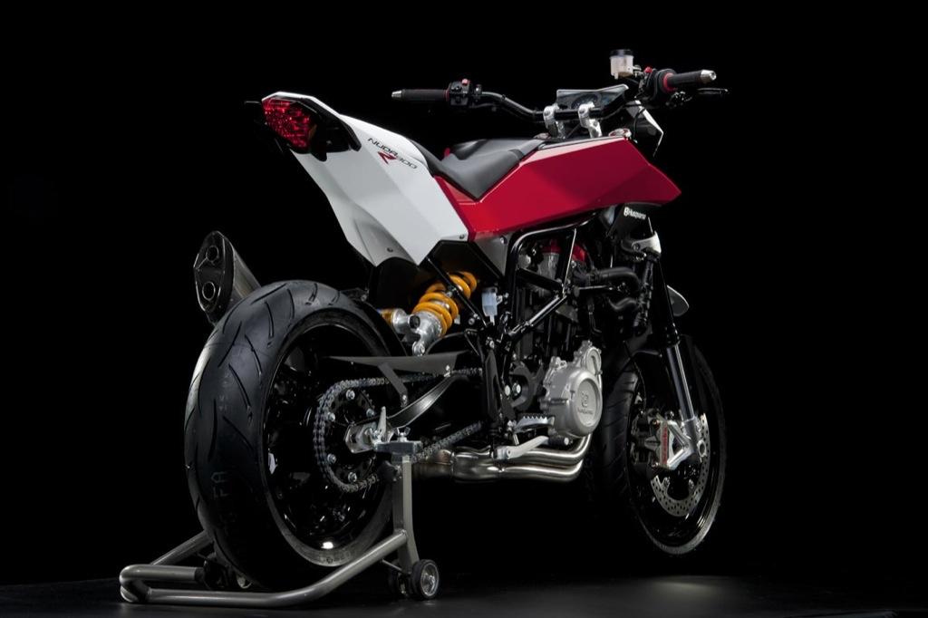 husqvarna-nuda-900r-streetbike-breaks-cover_8