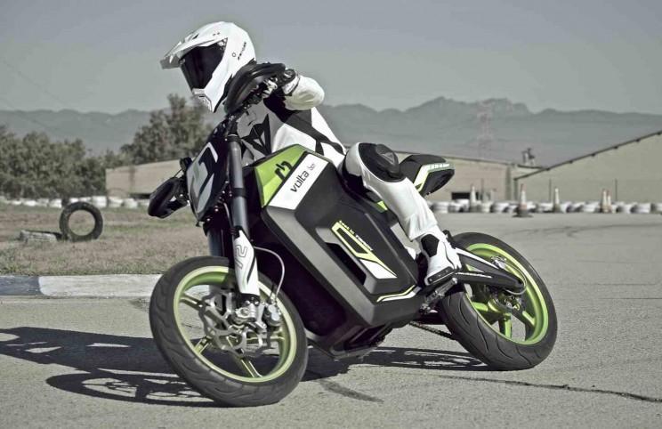 volta electric motorbike 6 circuit bocht