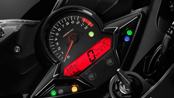 Honda CBR300R 2016 (1)