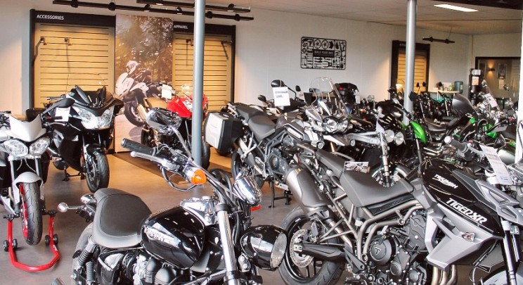 Motorcentrum Rijen Showroom 1
