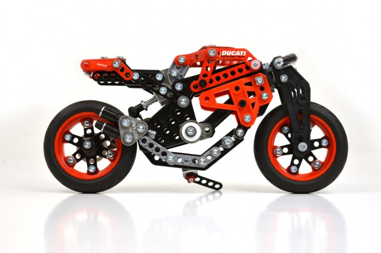 Ducati Monster Meccano (1)