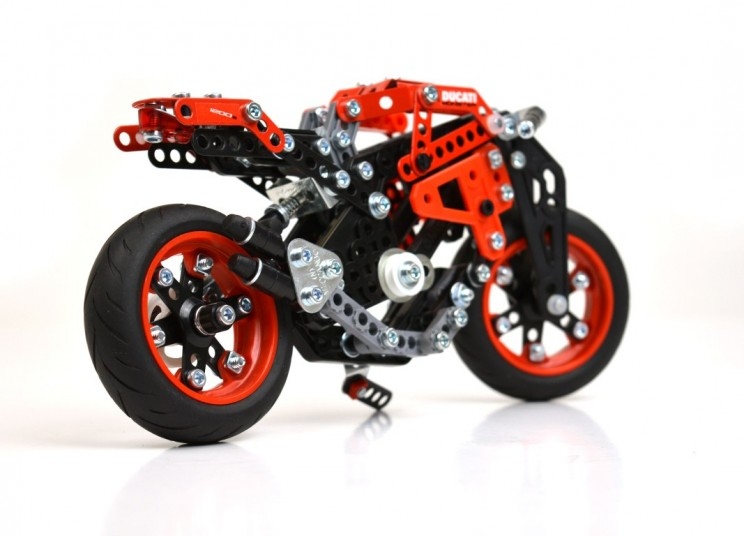 Ducati Monster Meccano (2)