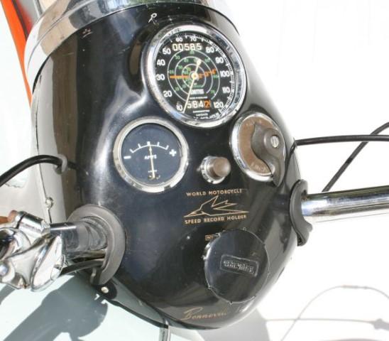 Triumph Bonneville 1959 (1)