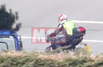 triumph Street triple 800 spy shot (2)