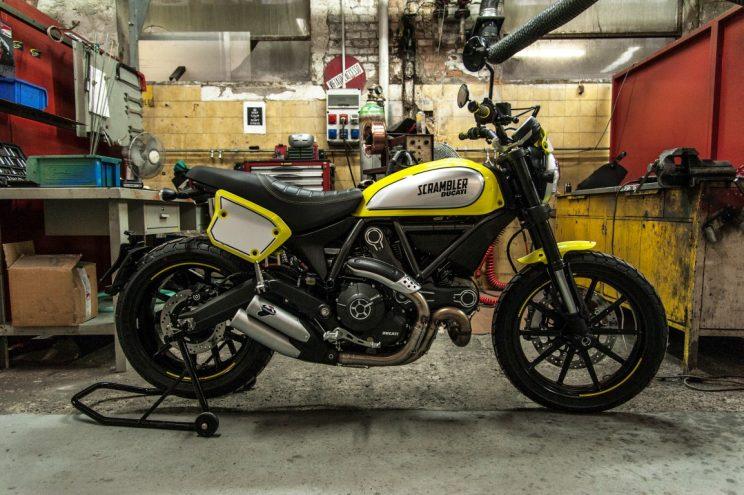 Ducati Scrambler Flat Track Pro bikerbook (1)