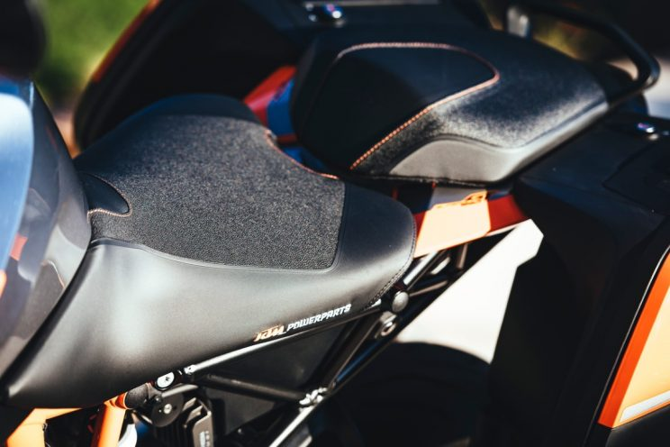 KTM Super Duke GT 2016 (2)