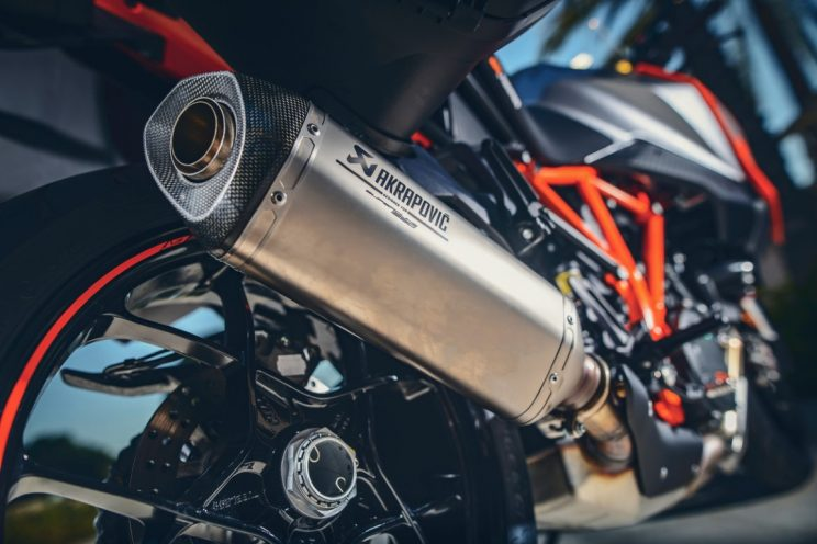 KTM Super Duke GT 2016 (20)