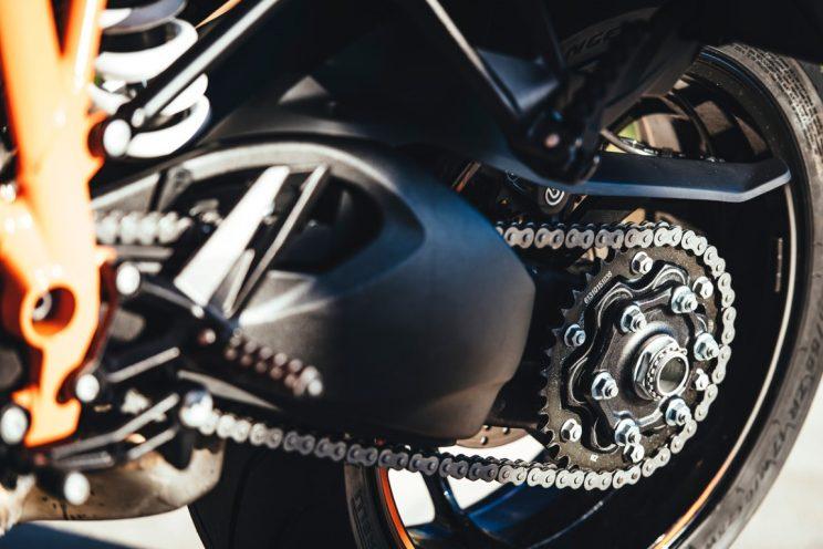 KTM Super Duke GT 2016 (3)