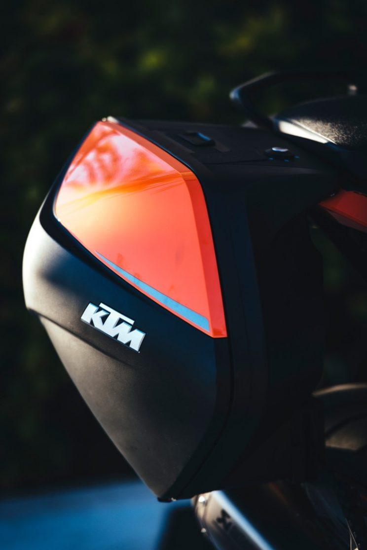 KTM Super Duke GT 2016 (8)