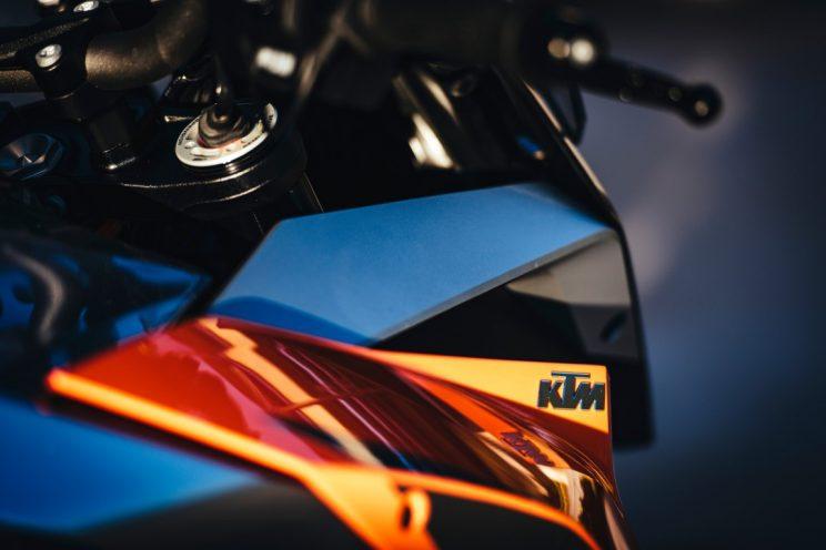 KTM Super Duke GT 2016 (9)