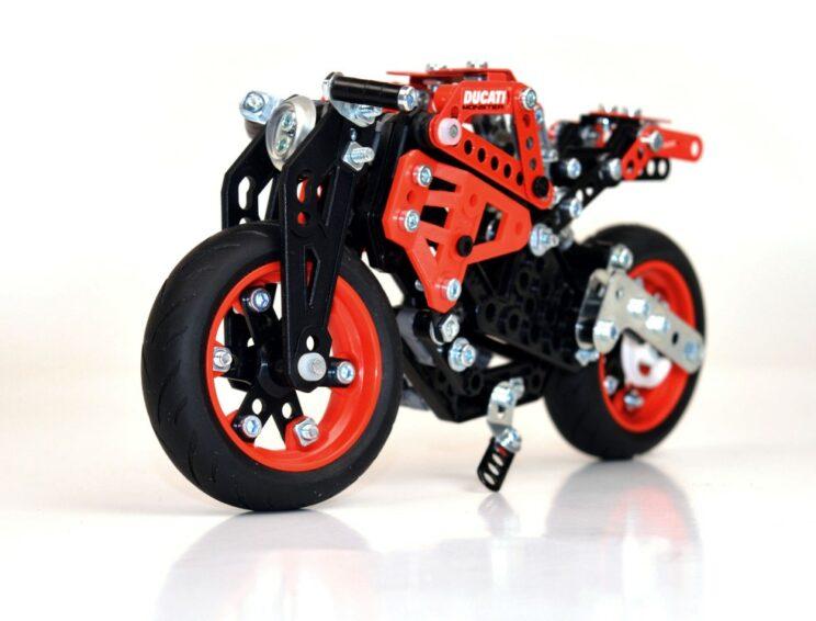Ducati Monster Meccano (3)