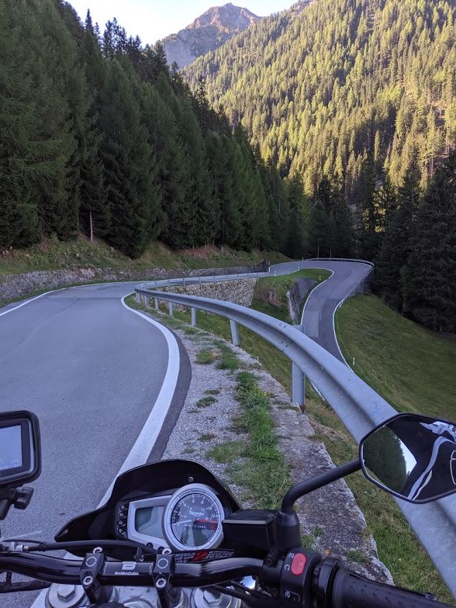 umbrail pas bikerbook street triple