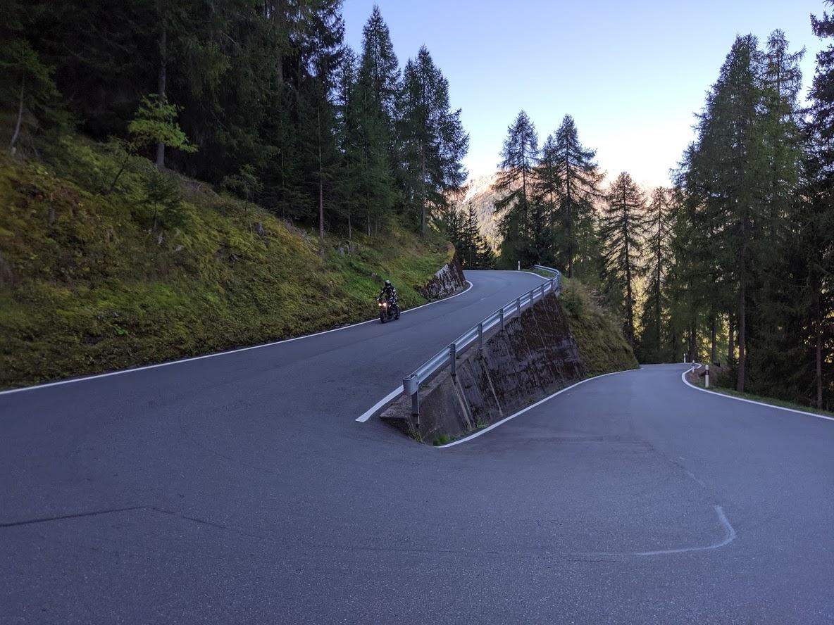 umbrail pas bikerbook triumph