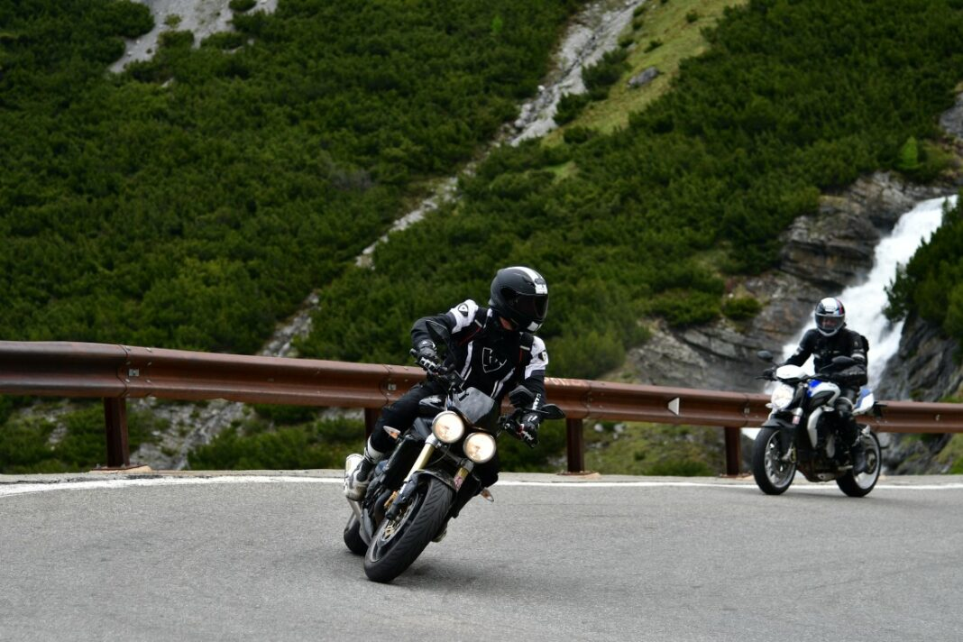 motorrijden haarspeldbochten bergen